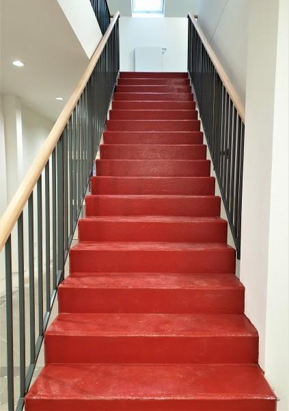 Feuerwehr-Tomatenrote-Treppe